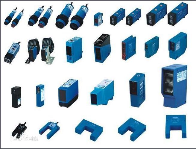 光电传感器是采用光电元件作为检测元件的传感器。它首先把被测量的变化转换