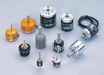 传感器是一种检测装置,能感受到被测量的信息,并能将感受到的信息,按一定规律变换成为电信号