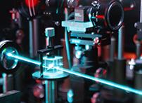 非常小的丈量光斑,是点光面积,如真尚有公司ZLDS10X系列光斑面积约1mm,它比面积型非接触电容