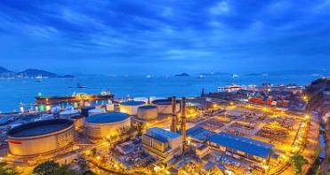 随着技术的发展,石油、化工工业的快速发展,对各类蓄液池的液面及液位的监测及自动测量越来越重视。超声波液位传感器具有非接触测量,安装方便的特点。