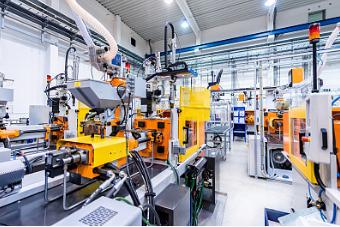 随着现代科技的进步,生产自动化水平也不断提高。工业生产中广泛应用各种传感器及自动检测装置来监视生产的各个环节,有的还需要计算机来控制生产的全过程。