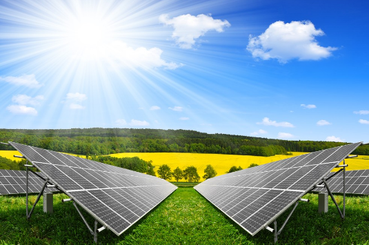 随着全球资源逐渐匮乏与能源需求不断增长之间的矛盾日益凸显,太阳能作为绿色清洁能源受到越来越多的关注和研究,开发太阳能资源,寻求经济发展的新动力是整个社会可持续发展的有效途径之一。