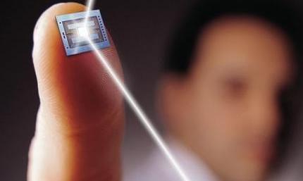 据市场调研报告显示,2016年全球安防与监控应用传感器市场总值62.679亿美元,其中图像传感器占比最大(23%),预计到2023年市场总值将达到120亿美元。