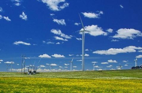 风是由空气流动引起的一种自然现象,它是由太阳辐射热引起的。