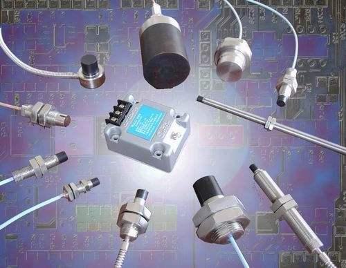 传感器是能感受规定的被测量件并按照一定规律转换成可用信号的器件或装置,传感器的存在和发展让物体有了触觉、味觉和嗅觉等感官,让物体变得活了起来。