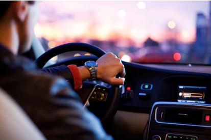 随着电子技术的发展,汽车电子化程度不断提高,传统的机械系统已经难以解决某些与汽车功能要求有关的问题,因而将逐步被电子控制系统代替。传感器作为汽车电控系统的关键部件,其优劣直接影响到系统的性能