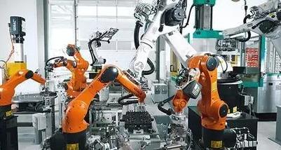 随着力矩传感器在工业机器人领域应用的越来越广泛,机器人设备自身不能解决的问题很多。可能你可以找到具体的原因在哪里,最主要的原因有可能是应用程序的问题,有了传感器这些问题都会变得简单。