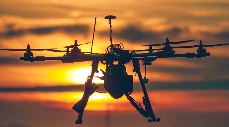 随着技术的不断发展,无人机在多个领域也都在不断的推进应用,但是在这个过程中也出现了不少的问题。可以说,无人机是一架飞行的传感器,在无人机出现问题的时候,对于传感器也提出了更多的挑战。