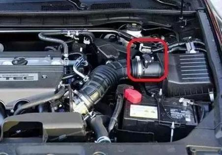 汽车上有许多种传感器,每一种传感器出了故障,汽车都会出现这样那样的问题。汽车上的这些传感器统称车用传感器。何为车用传感器?