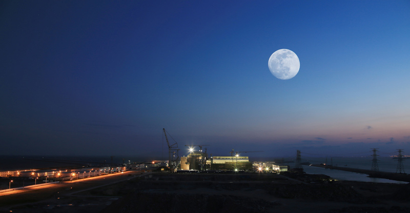记者27日从中国工程物理研究院总体工程研究所获悉,该所继自主研发核电站用高温耐辐射加速度传感器之后,其新研发的耐辐射声发射传感器也顺利通过验收,