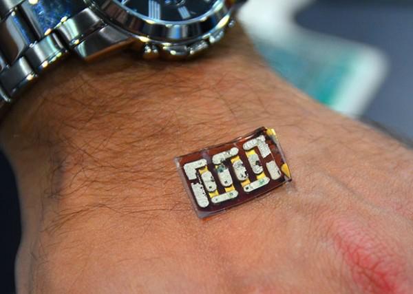 据麦姆斯咨询介绍,随着人们用传感器作为医疗工具来监测身体健康,可穿戴技术的使用正在增加。