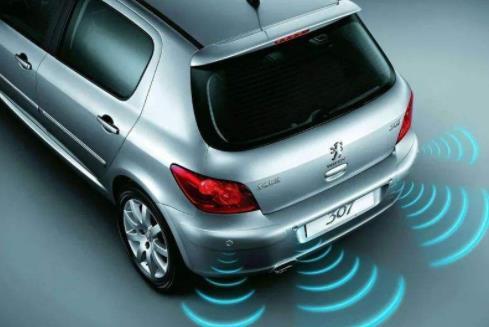 传感器是汽车的重要零部件,汽车在生产组建的过程中会用到很多型号的传感器,像最近几年飞速发展的超声波传感器,在汽车方面他也有相当显著的功效。