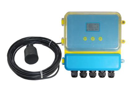 客户为模拟海洋漂浮环境,需实时检测漂浮物距离水池底部距离。方案需要满足水下实时测距以及数据的显示。
