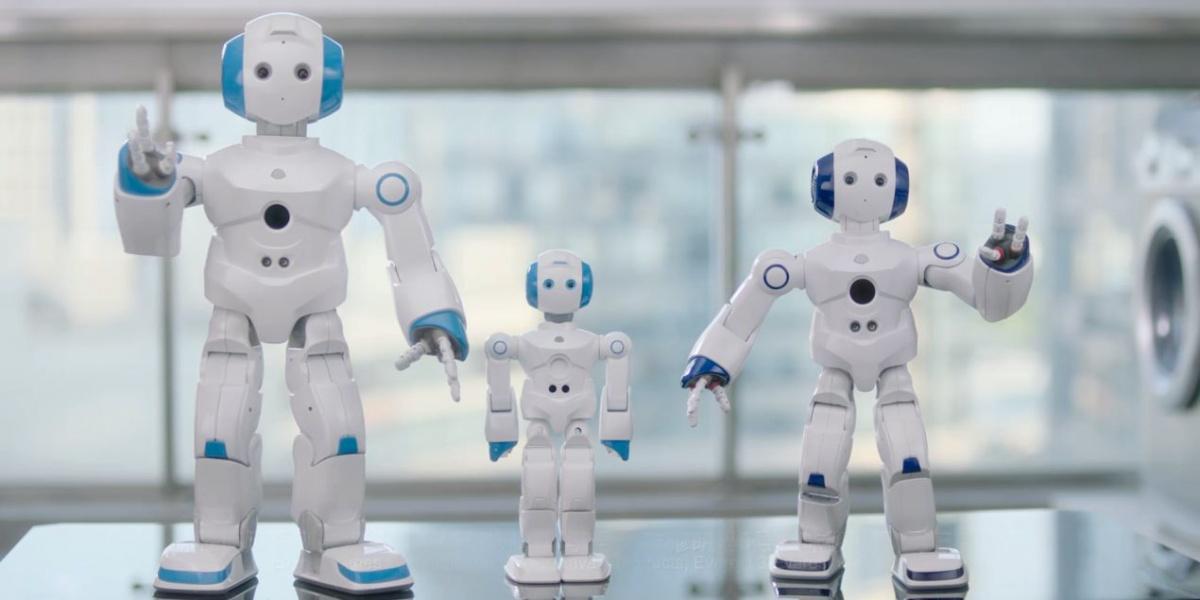 """随着消费者生活方式的改变以及智能化、自动化等技术的愈发成熟,机器人市场正遍地开花,发展势头迅猛。人工智能的方兴未艾,让""""教育机器人""""逐渐从梦想照进现实。"""