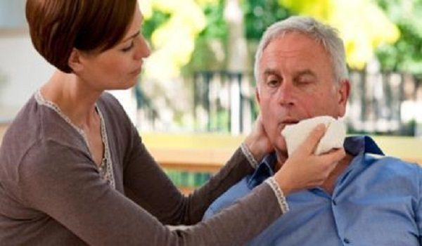 据了解,由华威大学开发的新型传感器可以在几分钟内识别出患有中风的患者。使用针刺血检,该测试还可以通过测量血液中的标示化合物的水平来显示中风的严重程度。