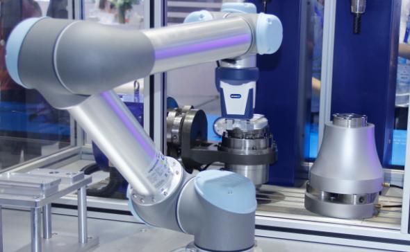 在机器人2.0时代,传感器的地位越来越重要,成为机器人功能增强和效率提升的关键部件。>