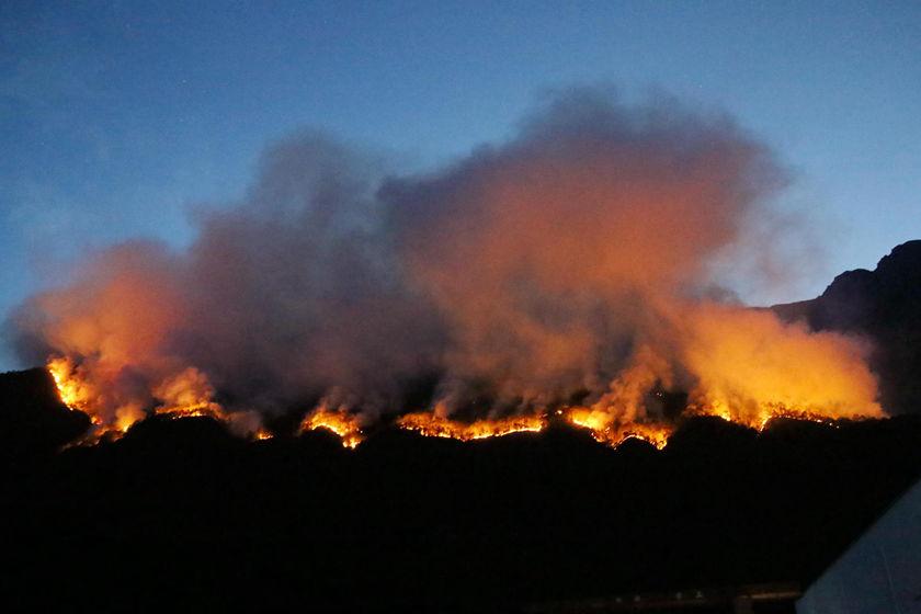 3月30日,四川凉山州木里县雅砻江镇立尔村发生森林火灾,州县投入689人实施灭火作业。至4月1日有30名救火人员因火灾丧失。在科技不断发展的今天,或许也应该借助技术的力量,最大限度减少生命财产的损失,让悲剧不再上演。