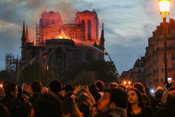 4月15日,法国巴黎圣母院发生严重火灾事故。这次火灾事故提醒我们,对于文物古建消防而言,火灾的预警工作至关重要。目前,智慧消防系统会通过多种传感器手段,实现文物安防监测的事前预警。